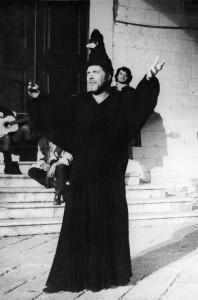 Tonko Lonza kao Dugi Nos, Dundo Maroje,  Dubrovačke ljetne igre, 1976 (redatelj Joško Juvančić)